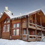 Log Home Winter-